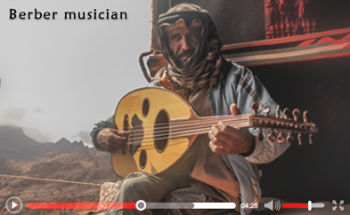 Berber musician, live music in the high mount in Petra, Jordan